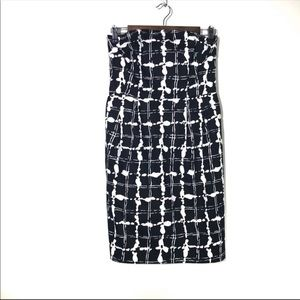 EXPRESS Black and White Strapless Cotton Dress 4